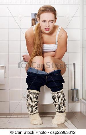 femme sur toilette